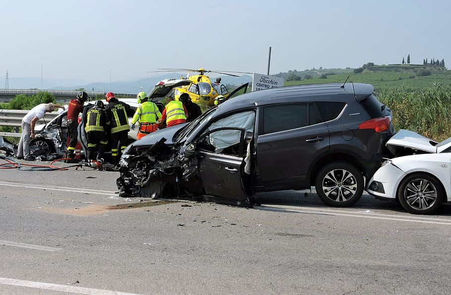 How Do Car Accident Attorneys Work in Houston